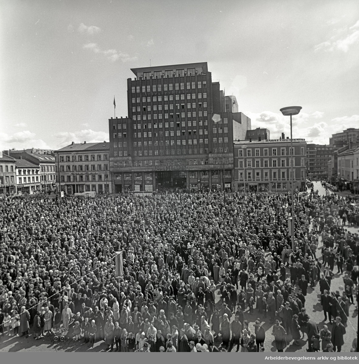 1. mai 1964, Youngstorget.