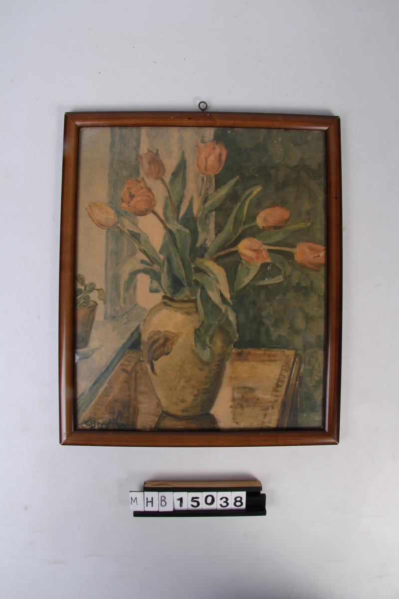 Tulipaner i blomstervase. Interiørmotiv.