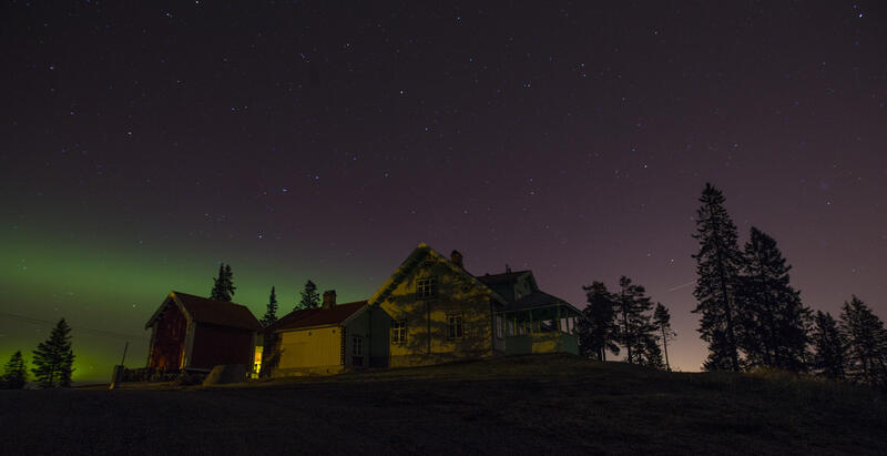 Hus med nordlys (Foto/Photo)