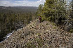 Norske Løve gruves berghald, utsikt vestover mot Blefjell. (Foto/Photo)