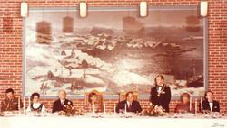 Kronprinsparet i kommunestyresalen på Hammerfest rådhus i 19