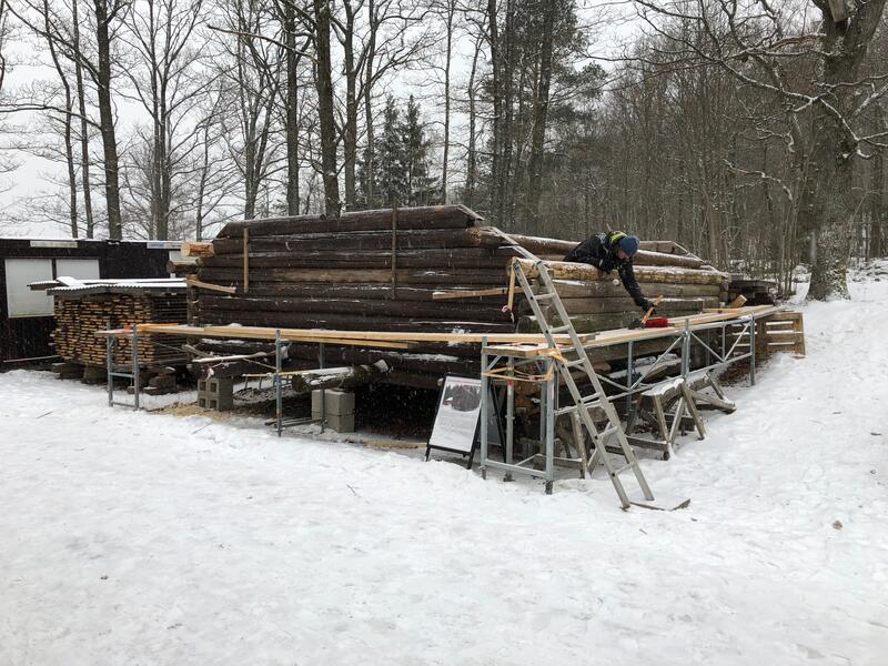 Annen etasje av gammelt stabbur under reparasjon (Foto/Photo)