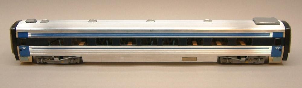 Mellanvagn SJ 2705 UA2, modell byggd av Göteborgs Modelljärnvägssällskap. Skala 1:45