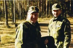 Hemvärnet. Till vänster generalmajor och rikshemvärnschef Ma