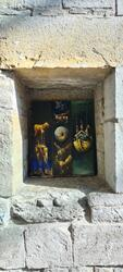 Gullvågmaleri inni en nisje i domkirkeruinen. (Foto/Photo)