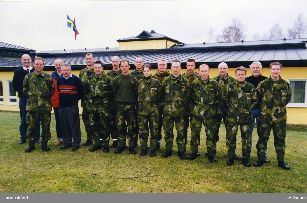 Gruppbild framför Swedec.