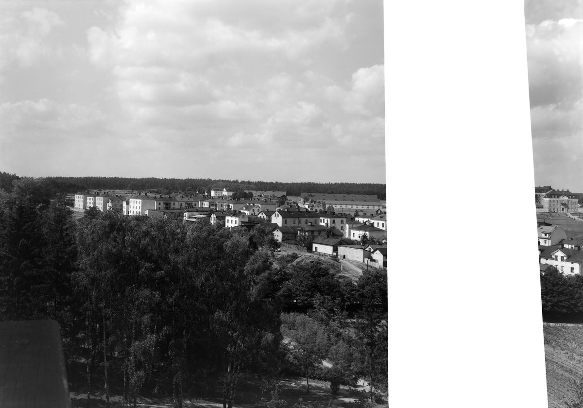 Vy från Belvederen mot Stolplyckan i sydväst, Linköping (serie 6/6). Trasig glasplåt. Utsikt. Vy.
