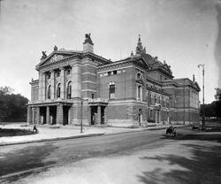 Nationaltheatret Oslo. Udatert. Antatt sommeren 1899.