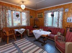 Finstua i bolighuset fra Olderfjord i Porsanger som er gjeno