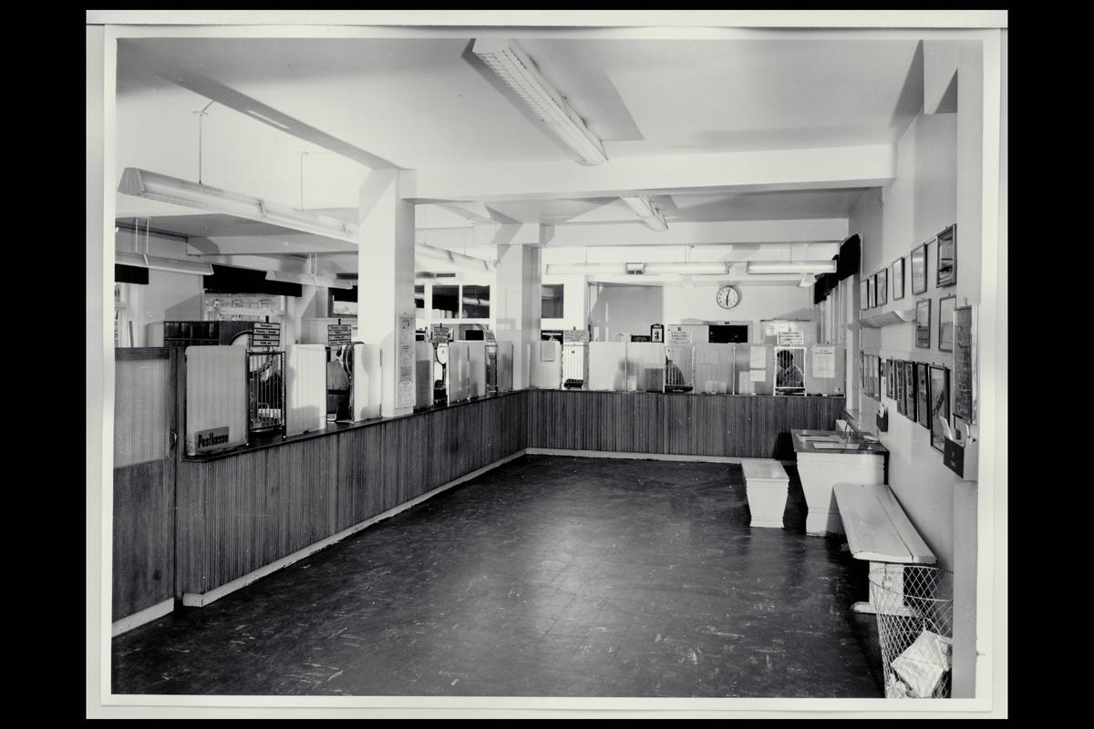 interiør, postkontor, 2300 Hamar, publikumshallen