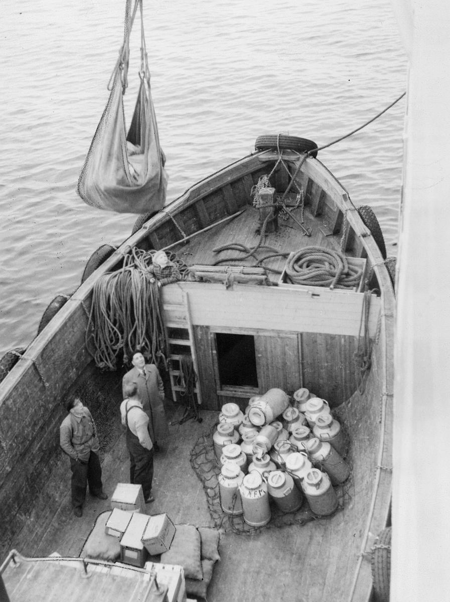 transport, Finnmarkskysten, båt, hurtigrute, tre menn