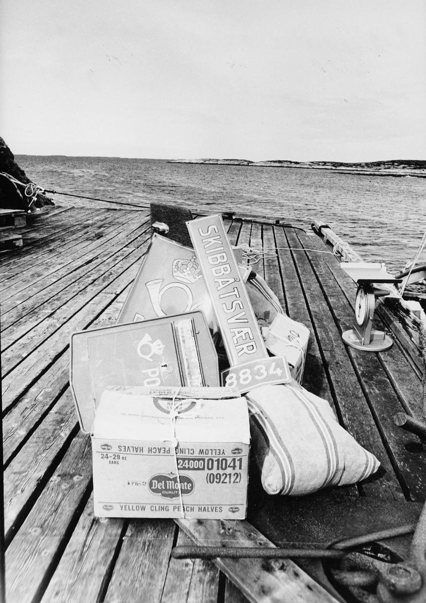 symboler, stedsskilt, 8834 Skibbåtsvær, postskilt, postkasse, postsekk, eske, brygge