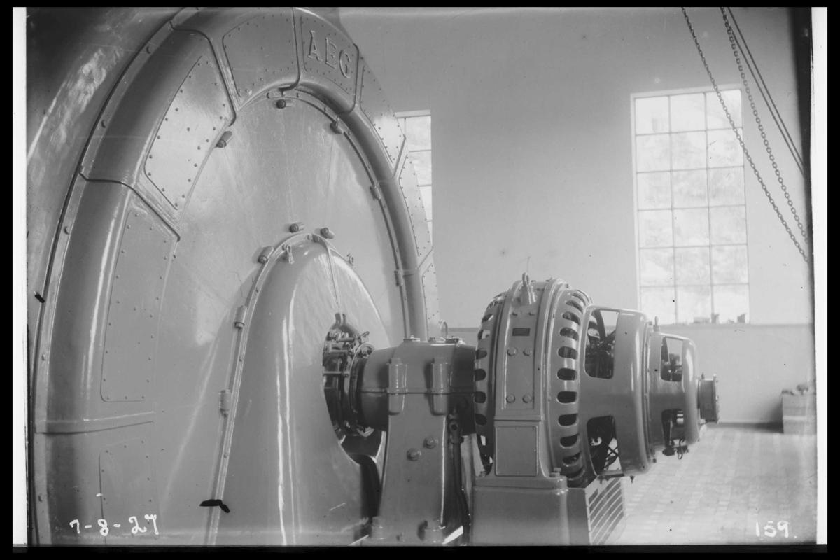 Arendal Fossekompani i begynnelsen av 1900-tallet CD merket 0470, Bilde: 73 Sted: Flaten Beskrivelse: Turbinaksel med løpehjul