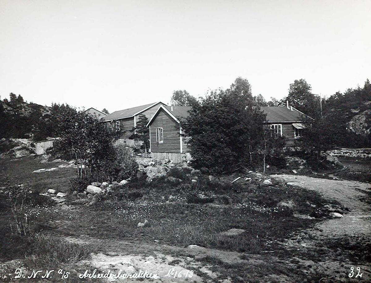 """""""16/06-1913"""" Nitriden. Bolig og spisebrakker for anleggsfolkene."""