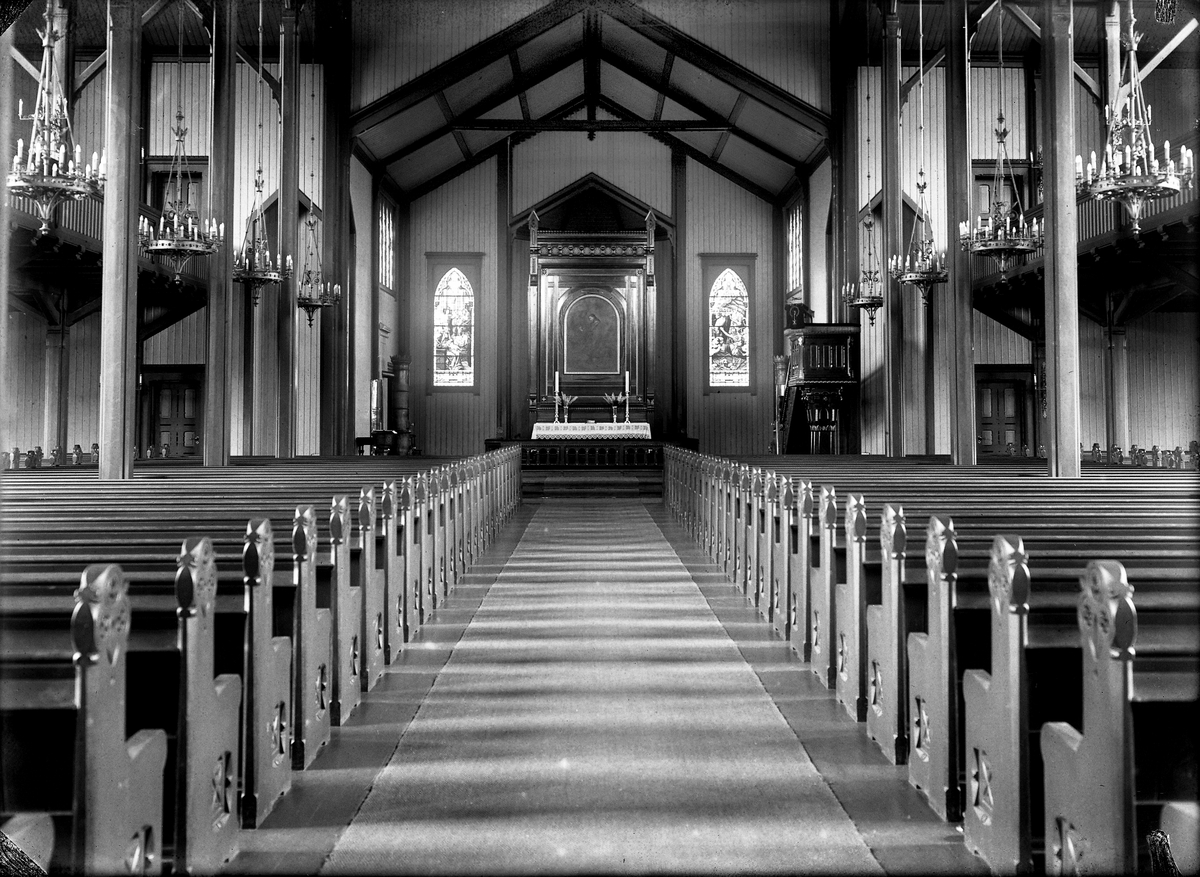 Interiørbilde fra Grimstad kirke