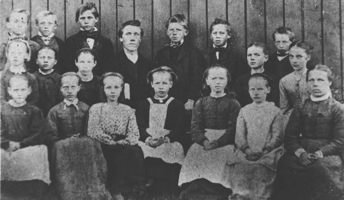 Sagstua ved Fjell, den første skole på Siggerud.