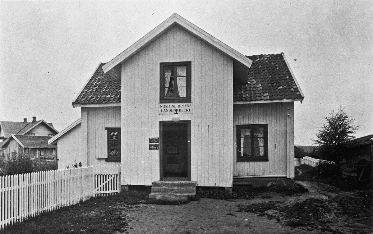 Nicoline Olsens Landhandleri.