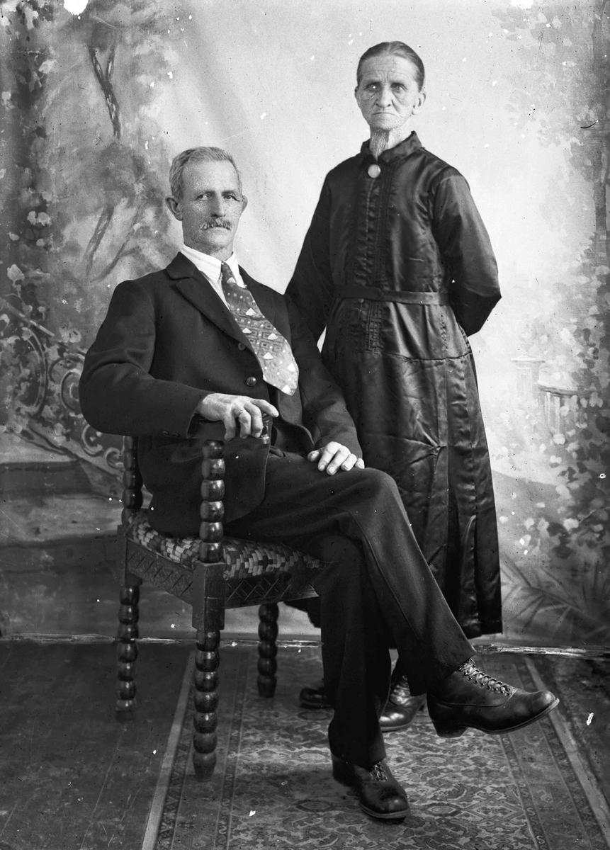 Johannes og Lina Hermansen. Sagmoen, Eidsvoll Verk.
