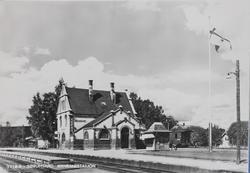 Sørumsand stasjon. Kongsvingerbanens spor i forgrunnen, Aurs
