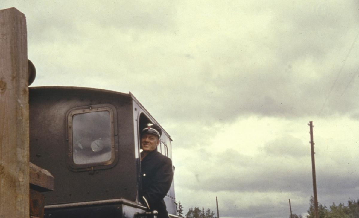 Lokomotivføreren på siste ordinære tog fra Skulerud til Sørumsand.