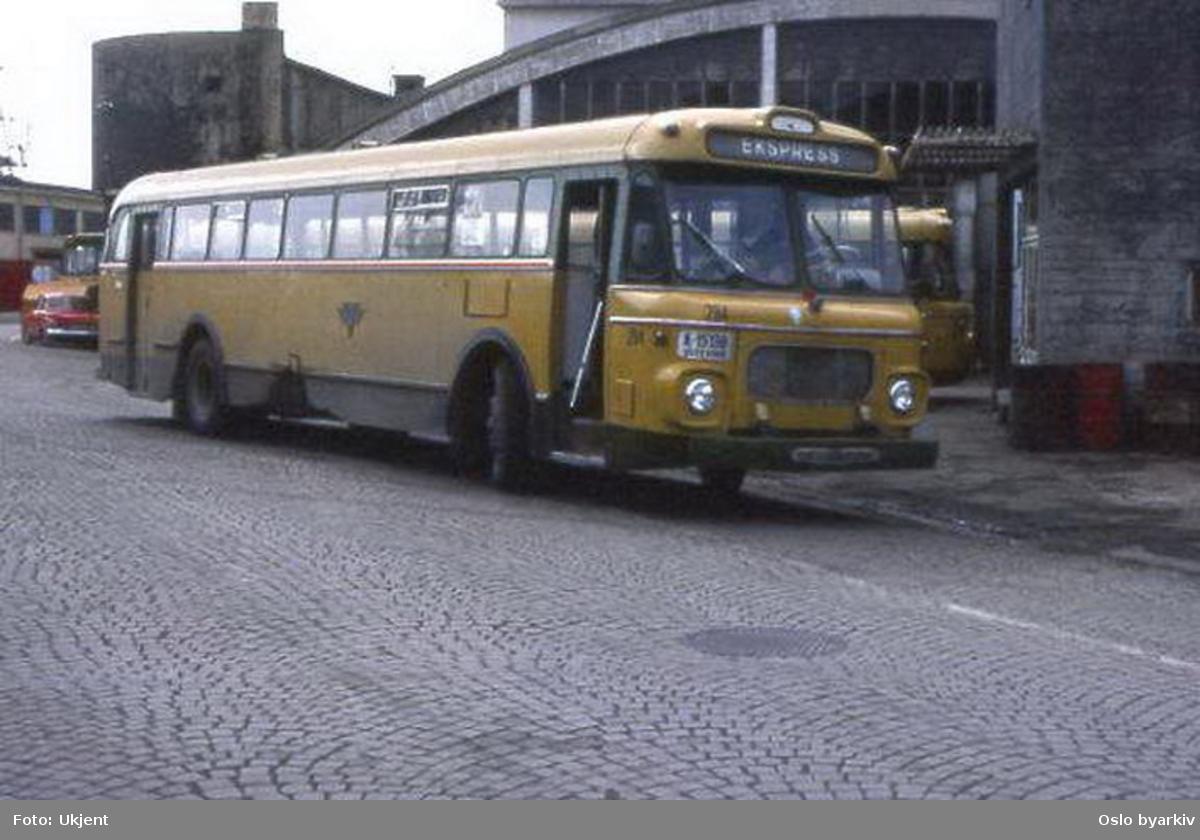 Busser, Ing. M.O. Schøyens Bilcentraler (SBC) buss A-15198.