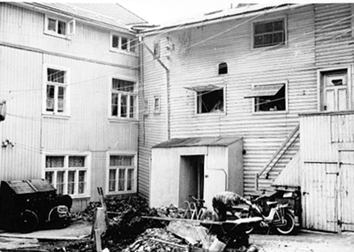 EKSTERIØR TORGGATA 71, BAKGÅRD, MOPED