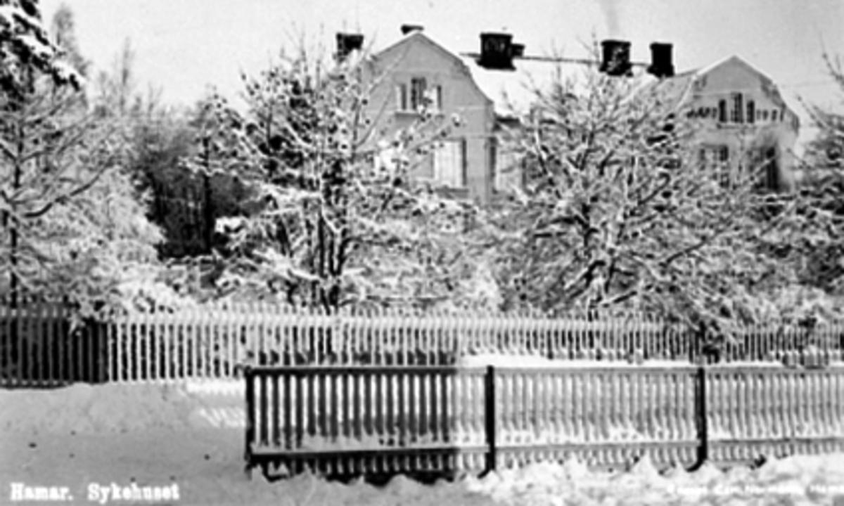 EKSTERIØR HAMAR SYKEHUS, VINTER, SKOLEGATA 32