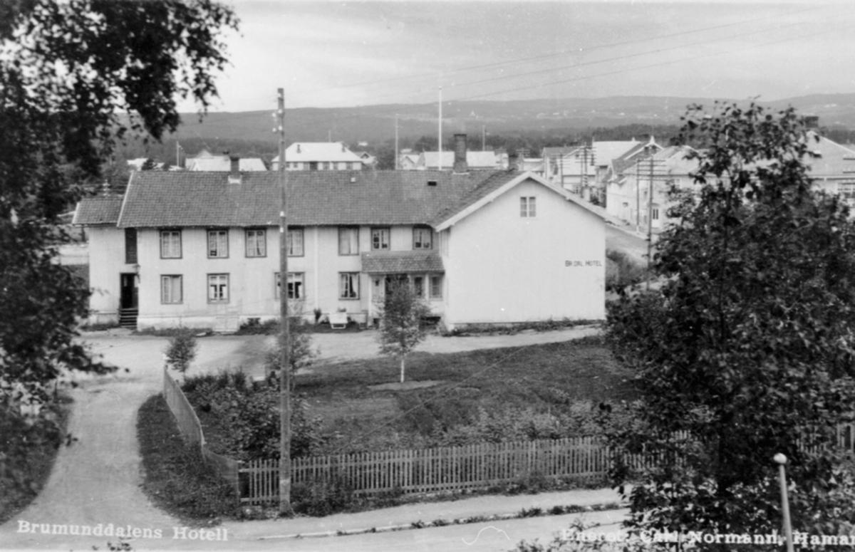 Eksteriør, Brumunddal Hotell, Øverbakken, bebyggelsen mot Veldresiden, Furnesvegen.