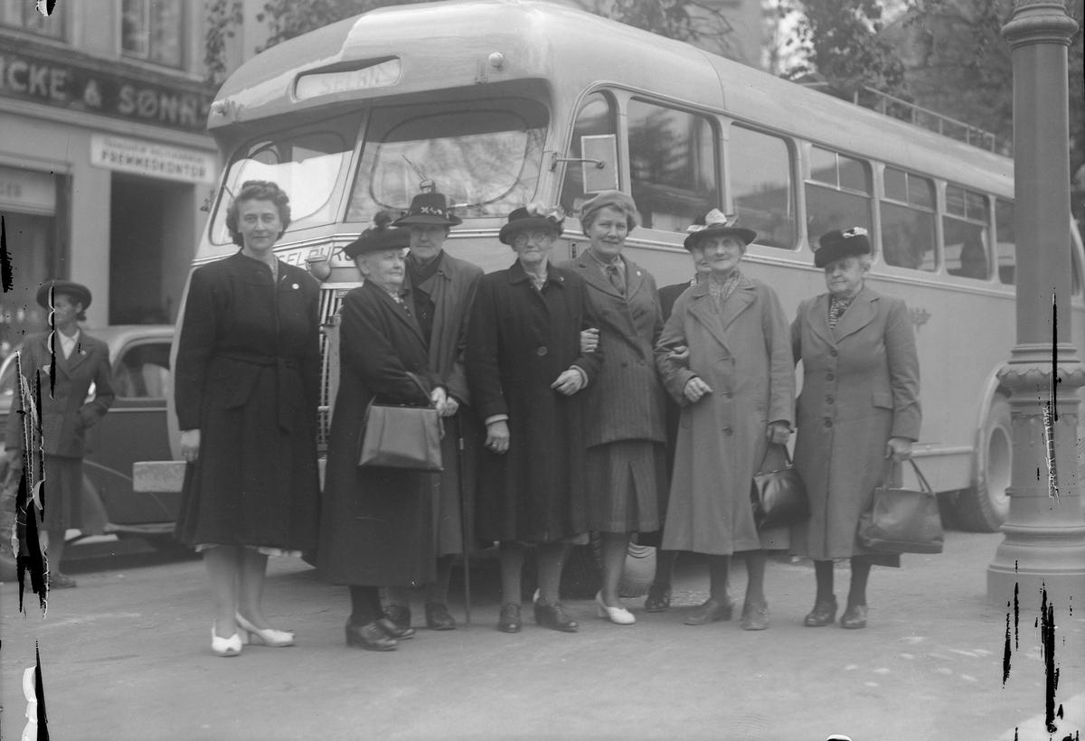 Slitne husmødre på busstur til Selbu