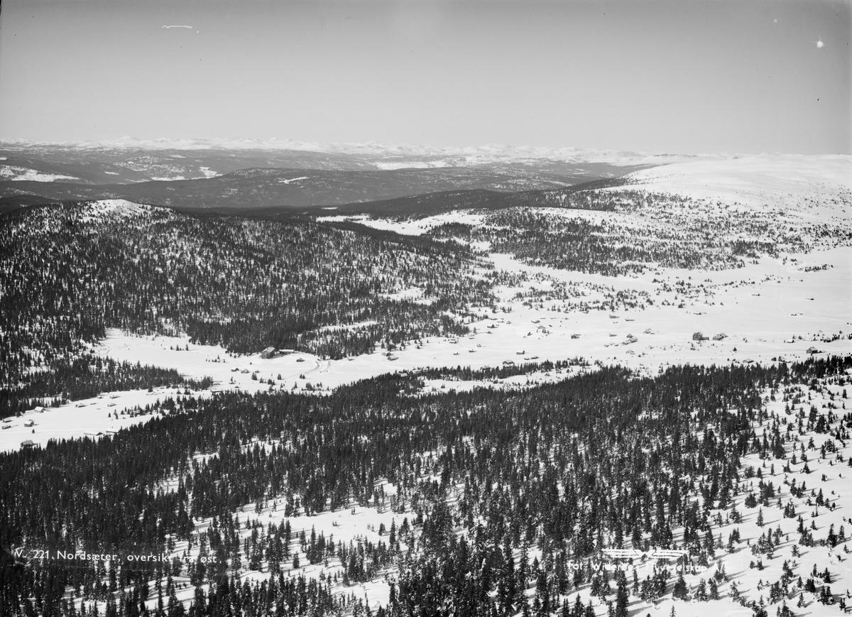Flyfoto, Nordseter, mot Grøtåsen og Neverfjell, vinter