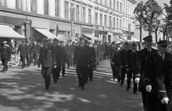 JERNBANENS DAG 12. JUNI 1949. OPPTOG GJENNOM STRANDGATA, FOL