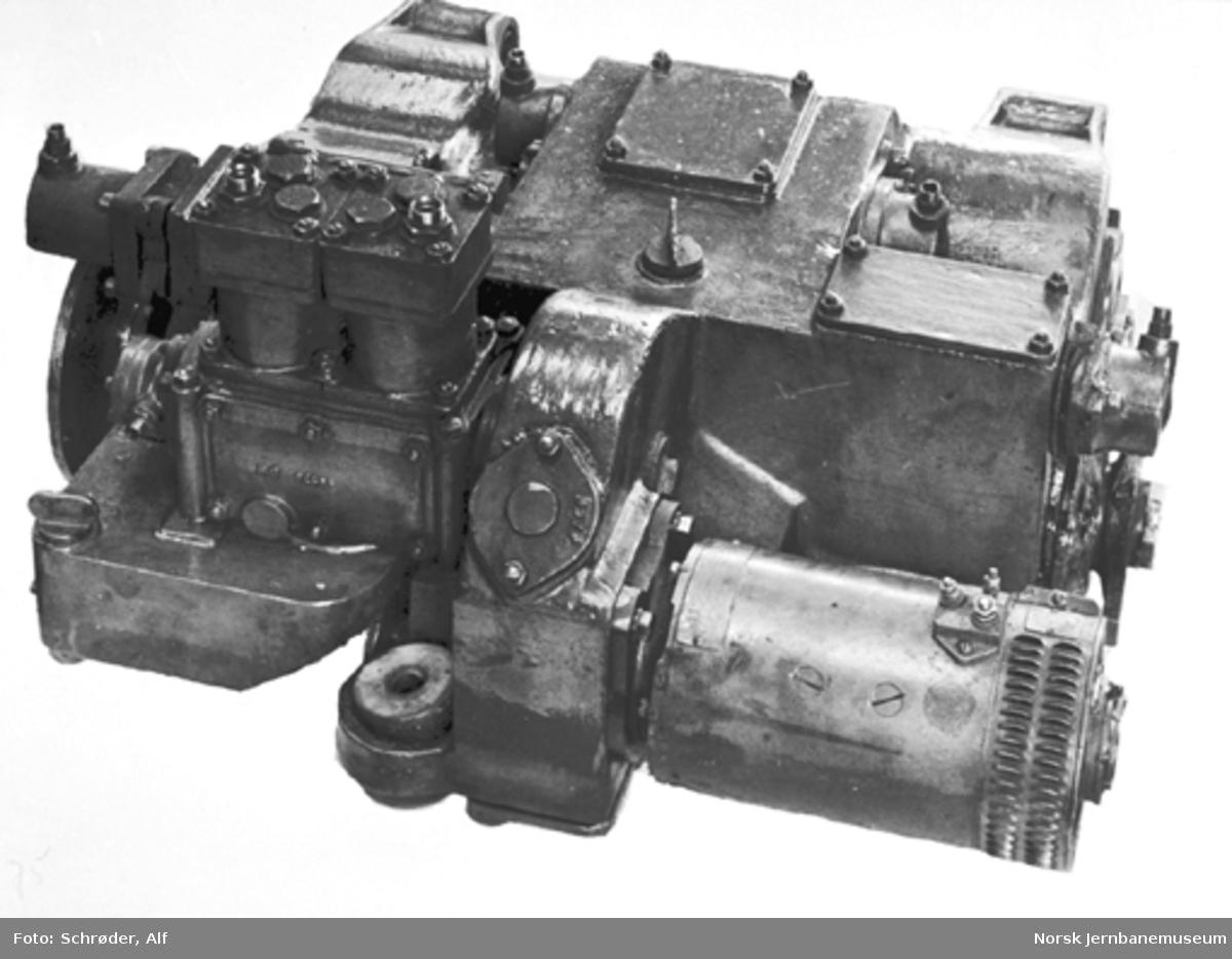 NSBs første dieselmotorvogn, Cmd type 15 nr. 18242, NSBs 8-trinns girkasse med påsatt kompressor og dynamo