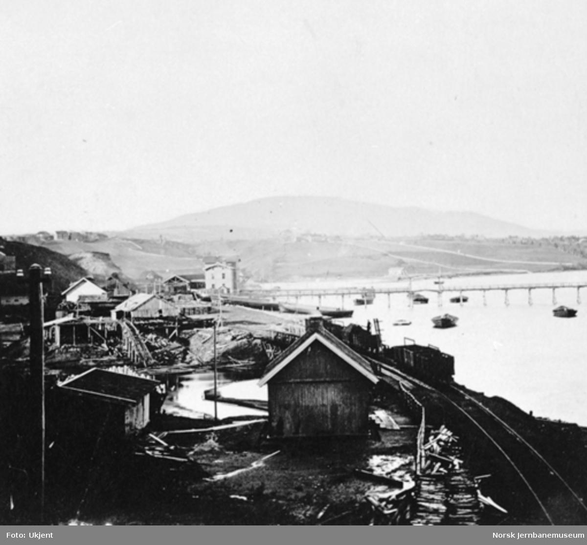 Eidsvoll stasjonsområde fotografert sørfra