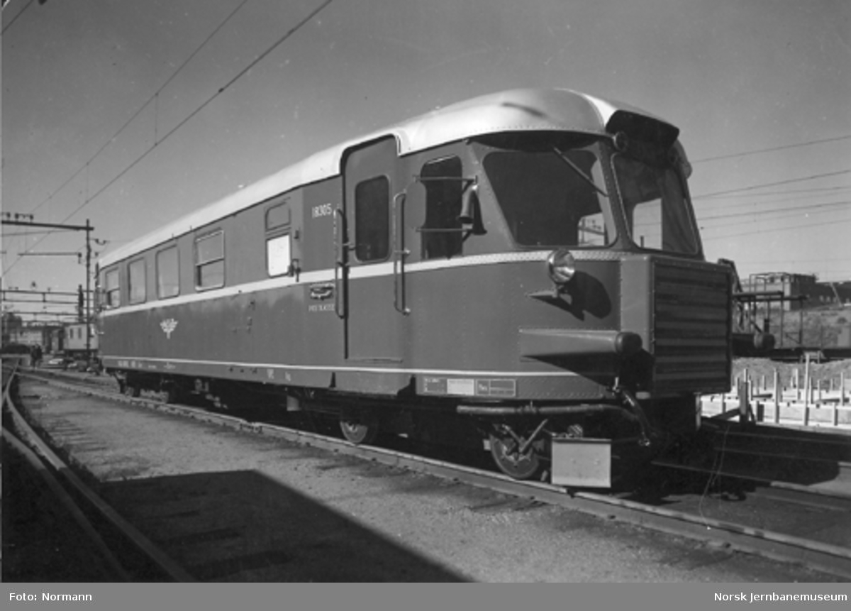 Dieselmotorvogn (skinnebuss) type 7 nr. 18305 som ny