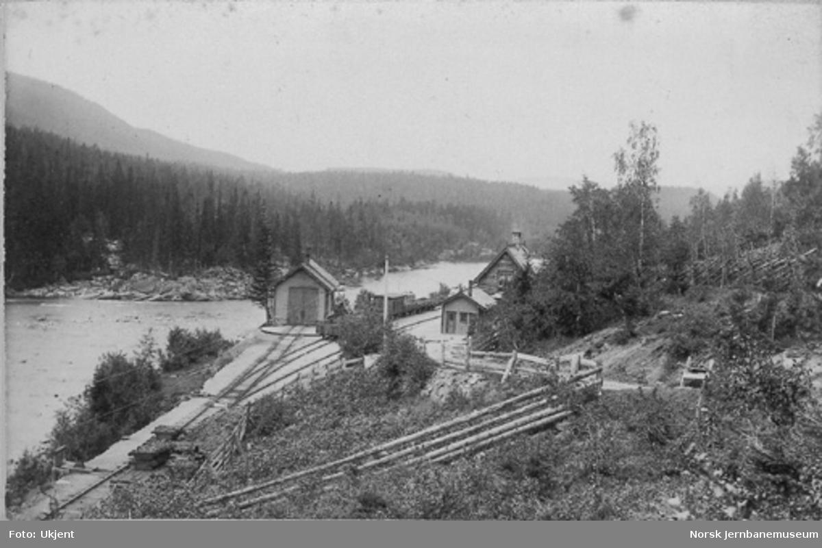 Langlete stasjon, oversiktsbilde med bl.a. lokomotivstallen