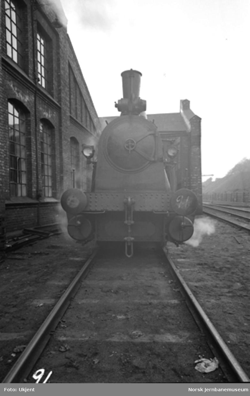Damplokomotiv type 43a nr. 91 i Lodalen; sett forfra