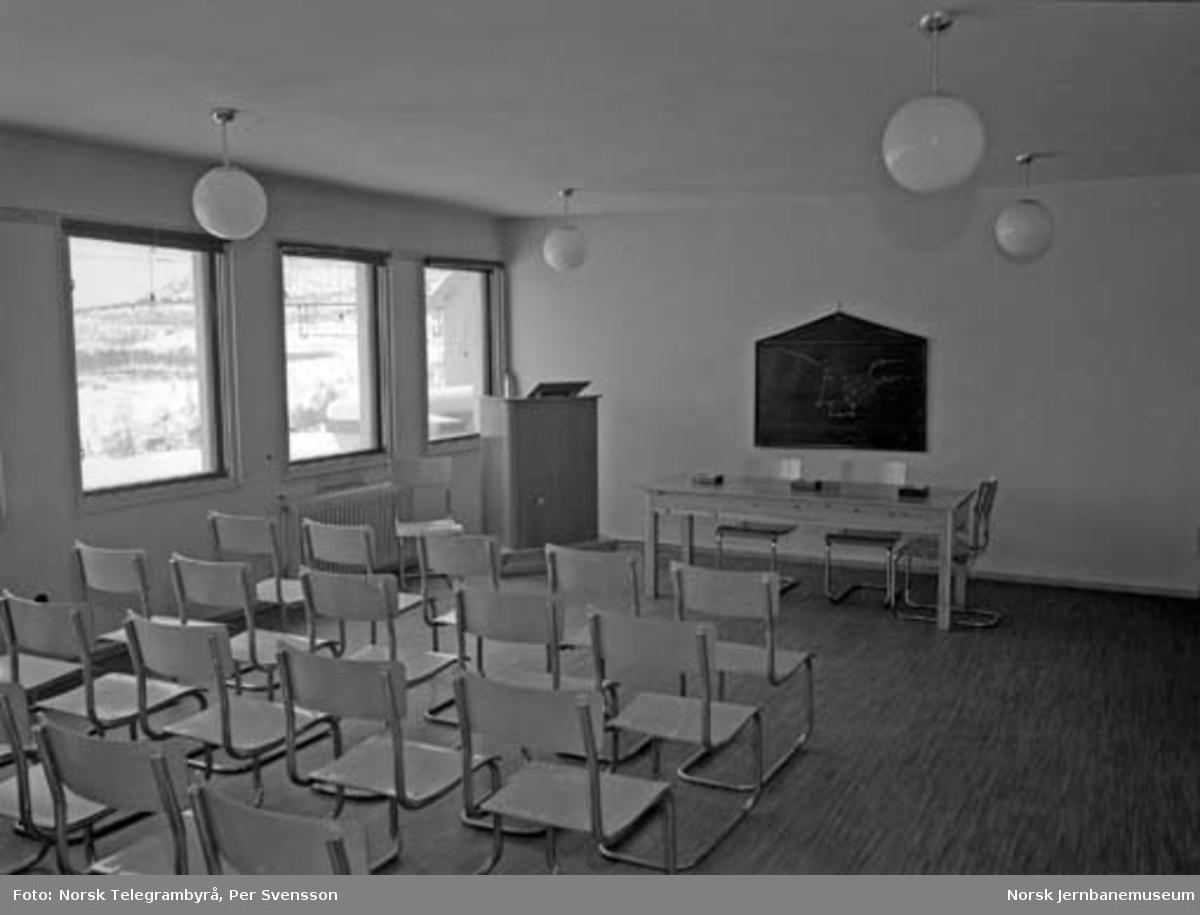 Ofotbanen : undervisningsrom i verkstedet