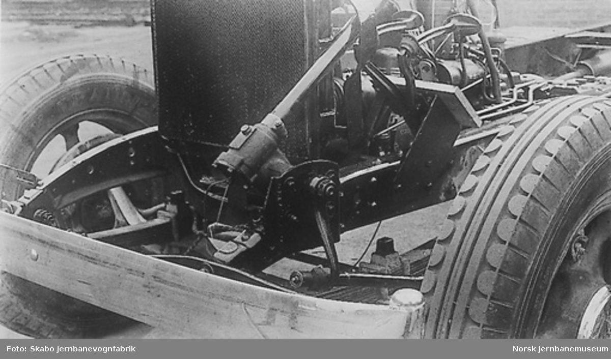 Forlenget Dodge-chassis med forandret oljeanordning