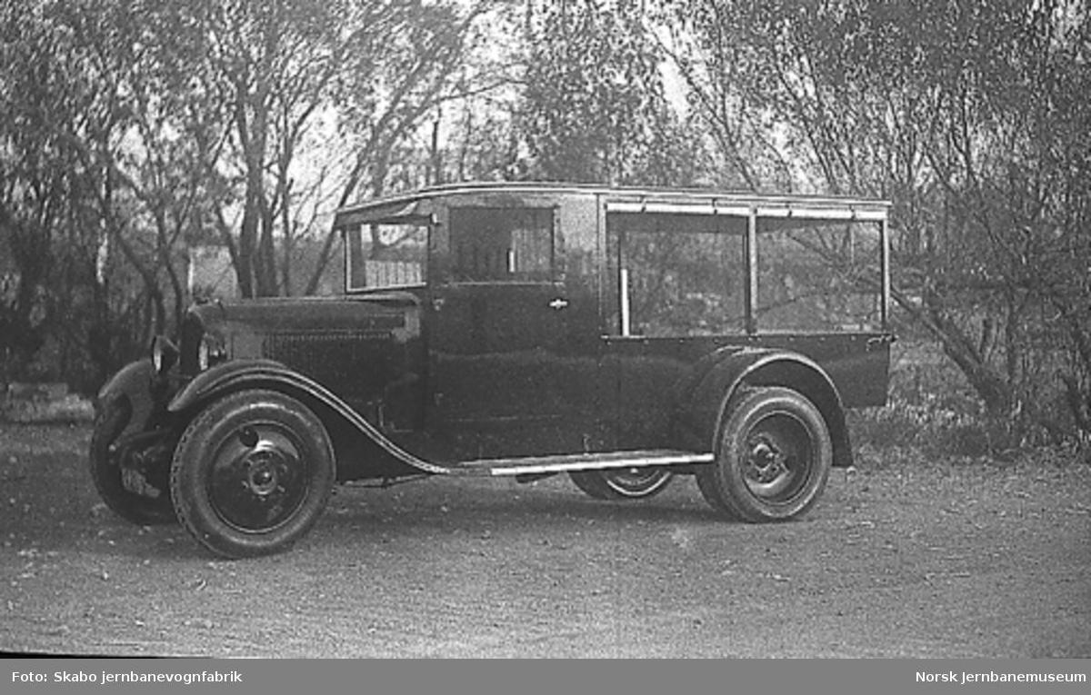 Varebil, trolig en Citroën, til ukjent kunde