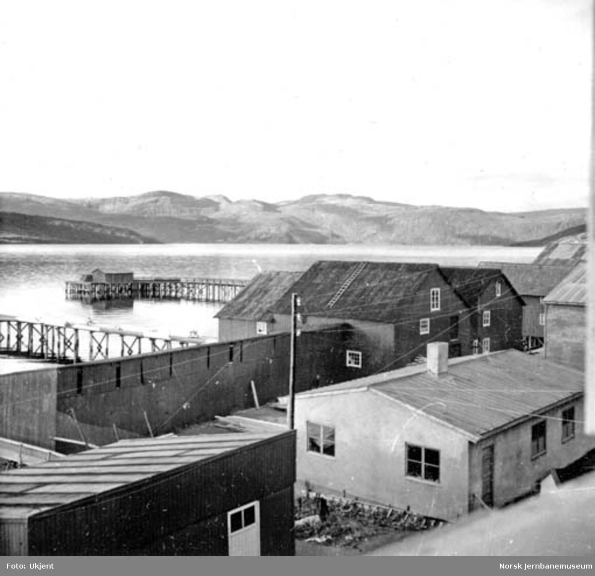 Fausked, sett utover mot Leivsettodden til venstre