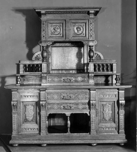 Dating antikke møbler håndtak