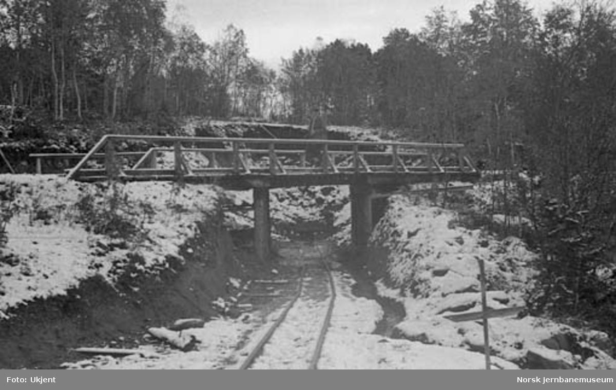 Nordlandsbaneanlegget : midlertidig bru for riksveg nr. 785 ved Kistrand