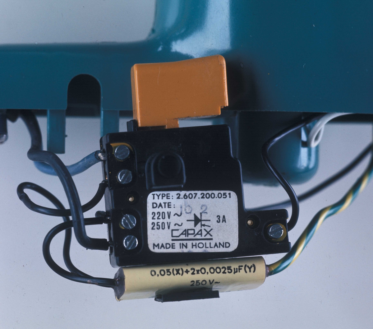 Trinnløs bryter til Bosch-drill. Nye Bonytt 1974-5.