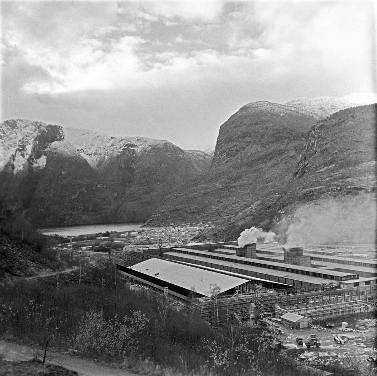 Serie. Fra Årdal verk, Sogn og Fjordane.