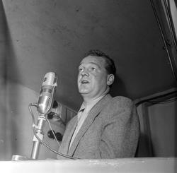Serie. Radioreporter Rolf Kirkvaag . Fotografert 1953-63.