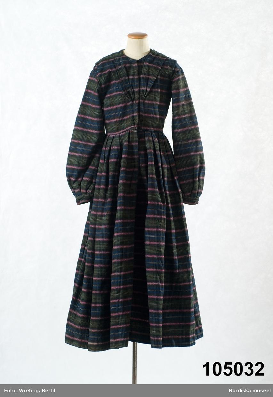 With upp kjolen mzanzi svart skolflicka commit error