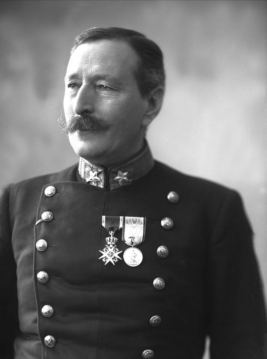 Portrett, general Vogt i uniform, 1912.