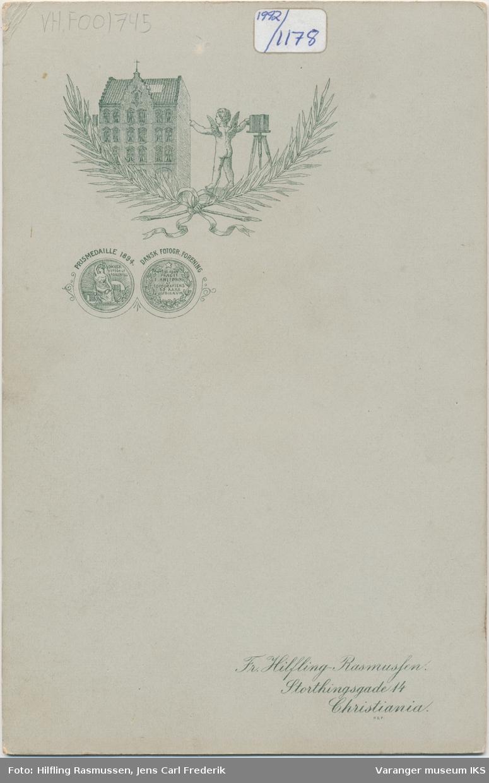 Portrett, kvinne, Brodtkorb