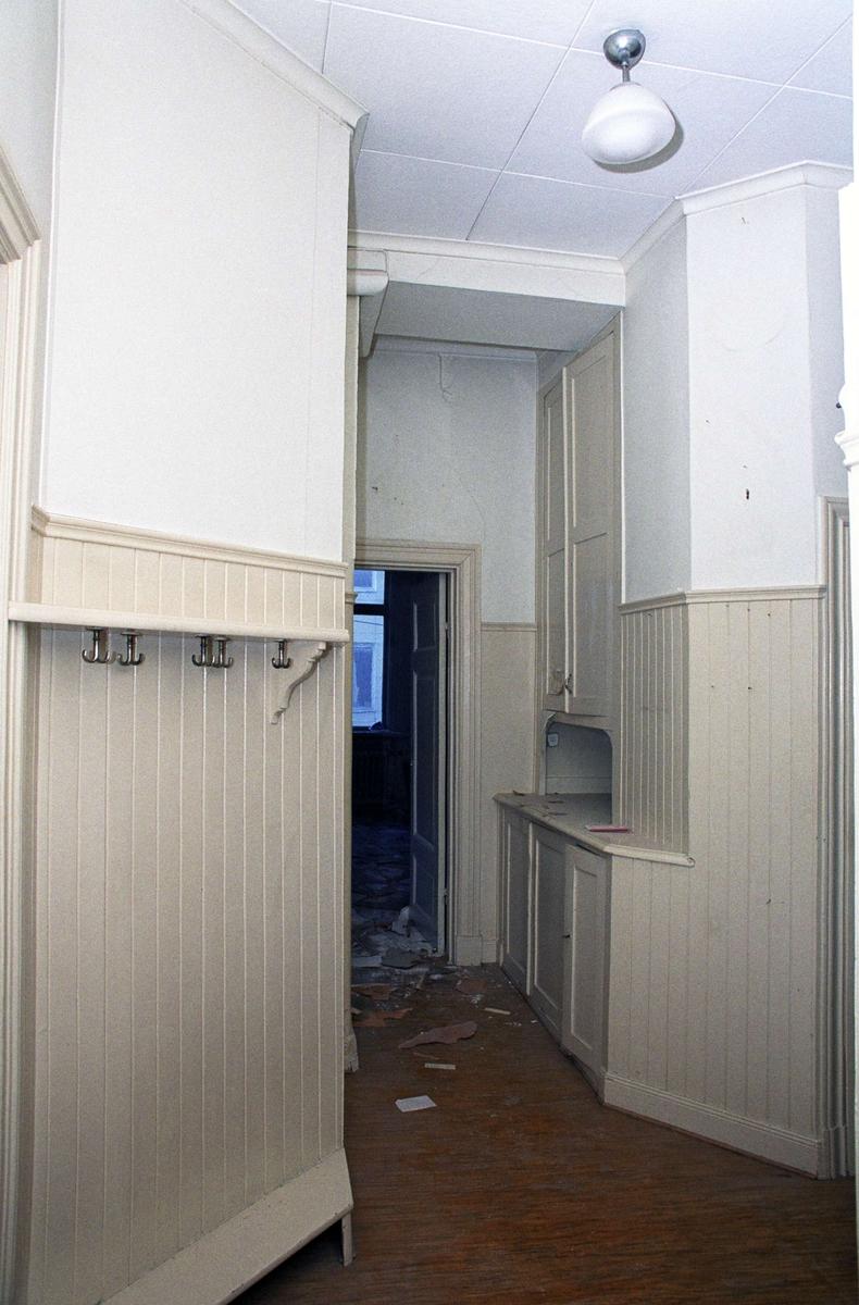 Serveringsrum, rum 317, Schylla, kvarteret Kaniken, Drottninggatan 8, Uppsala 1994
