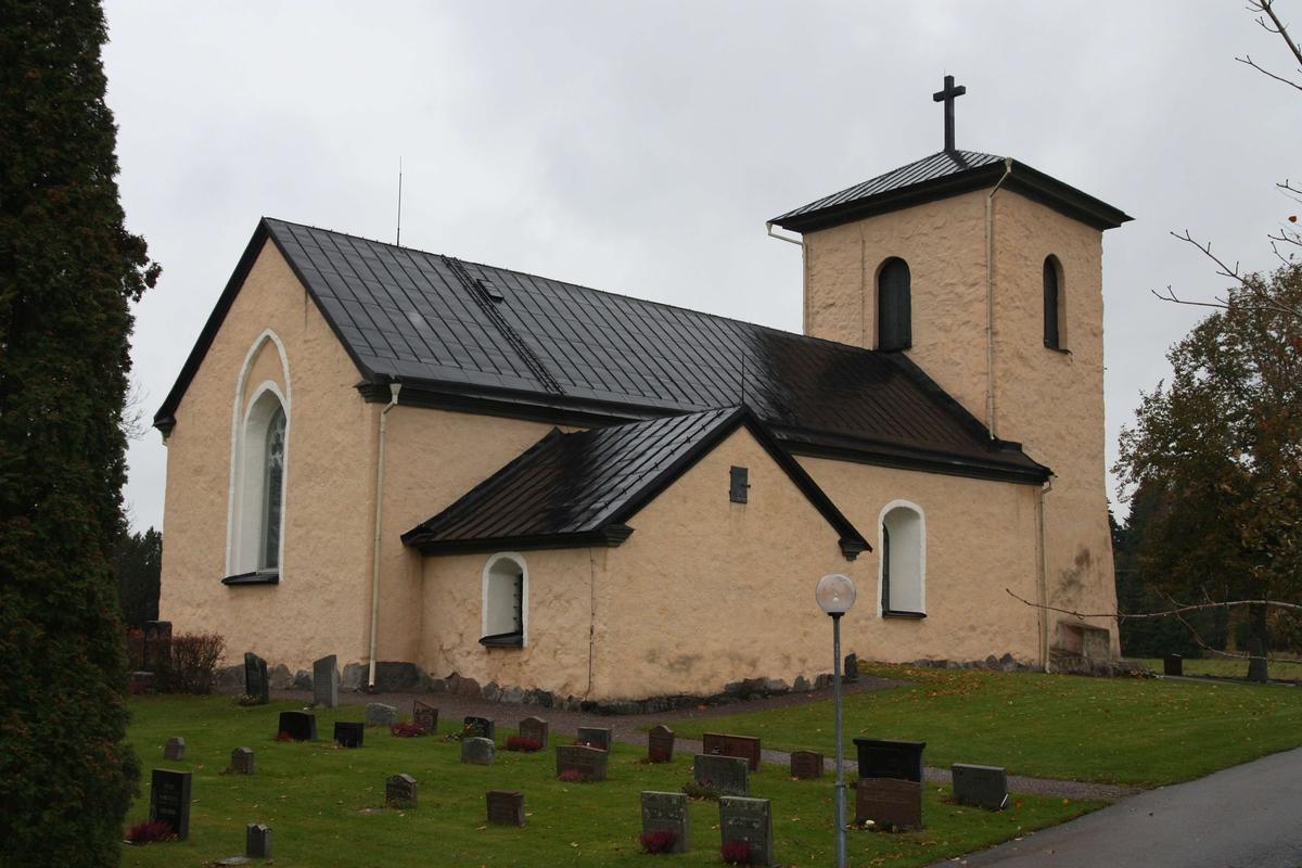 Kalmar kyrka från nordost, Kalmar socken, Uppland 2010